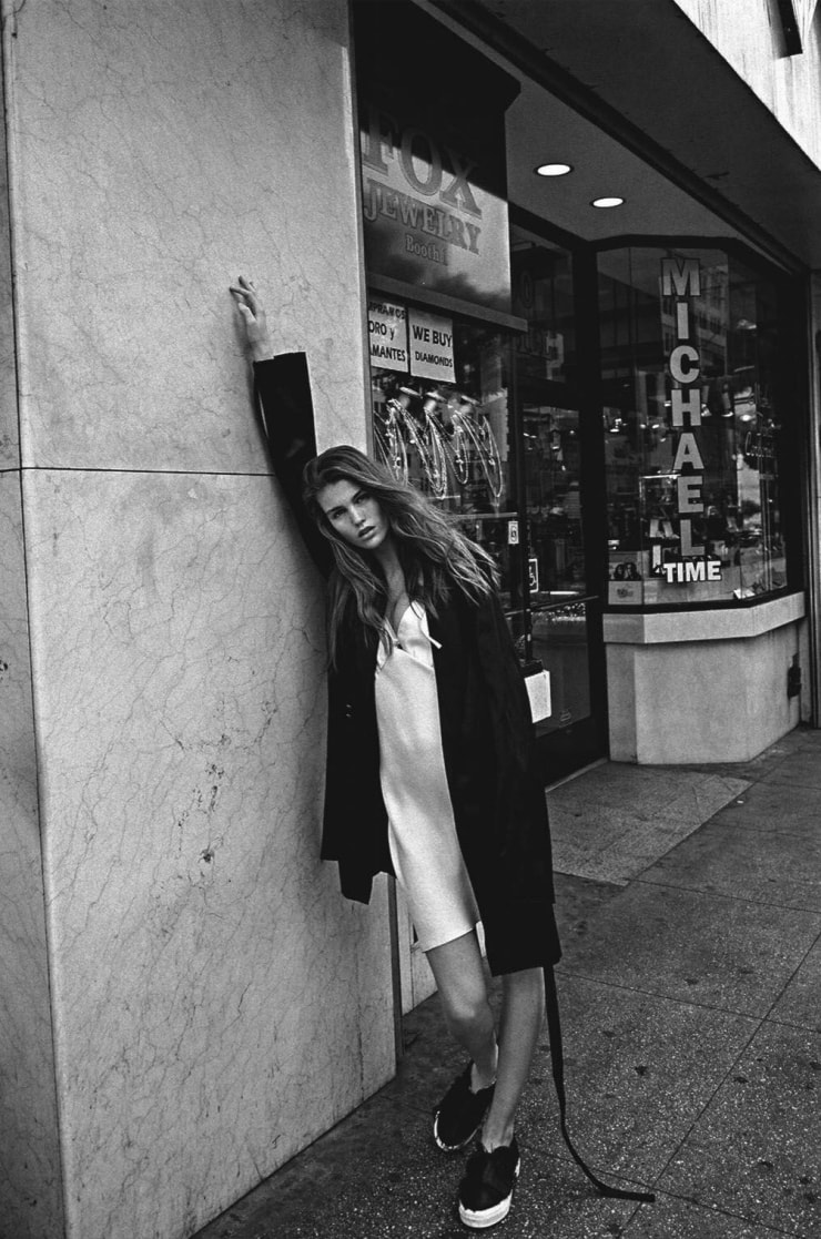 Luna-Bijl-by-Sebastian-Kim-for-Vogue-Australia-May-2016-Big-Easy-2