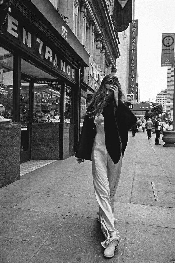 Luna-Bijl-by-Sebastian-Kim-for-Vogue-Australia-May-2016-Big-Easy-9